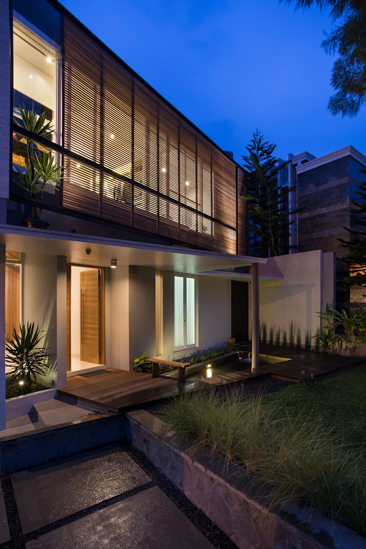 kbp house Rumah Modern Oleh e.Re studio architects Modern