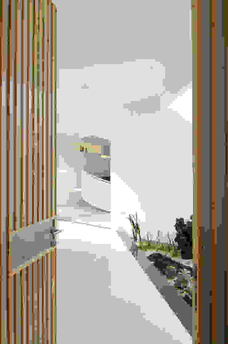 โดย e.Re studio architects โมเดิร์น