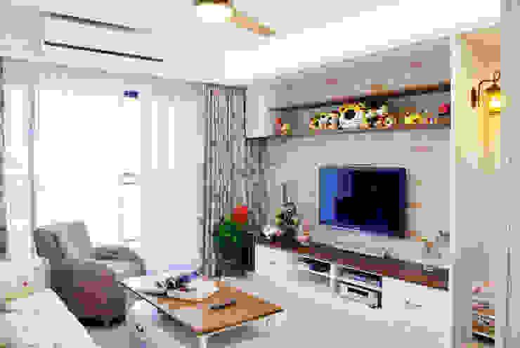 Salas de estilo  por 長城工程設