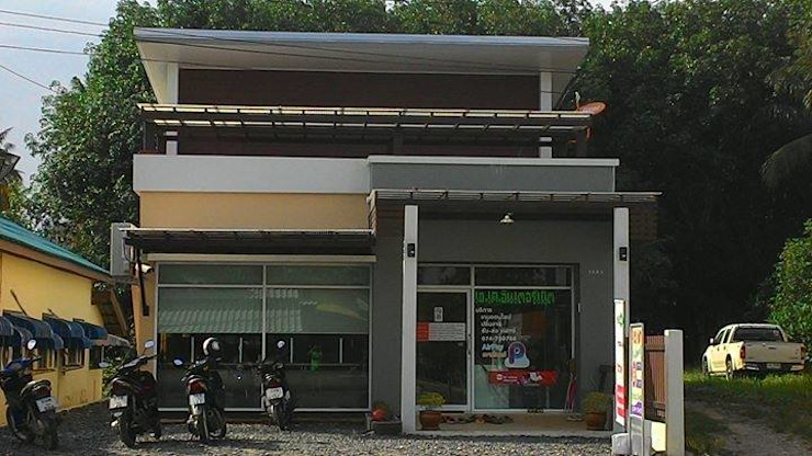ออกแบบบ้านพักอาศัย 1 ชั้นและอินเตอร์เน็ตคาเฟ่ โดย T.A.S.Design Co.,Ltd.