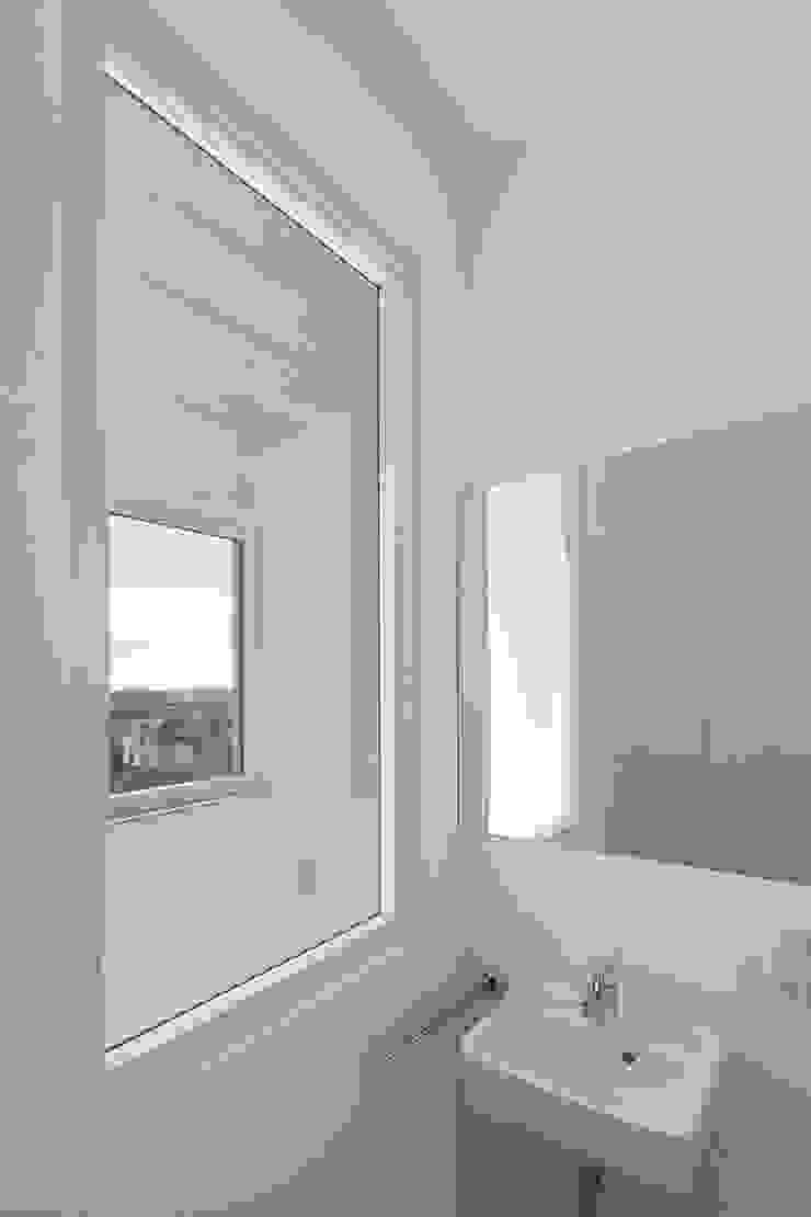 FFM-ARCHITEKTEN. Tovar + Tovar PartGmbB Modern bathroom