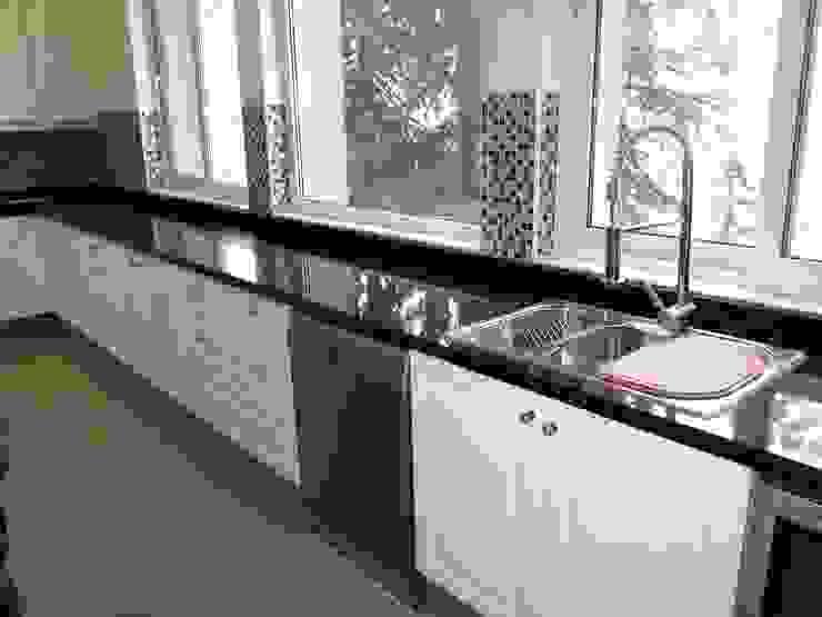 Cocina El Arrayán de ABS Diseños & Muebles Clásico Sintético Marrón