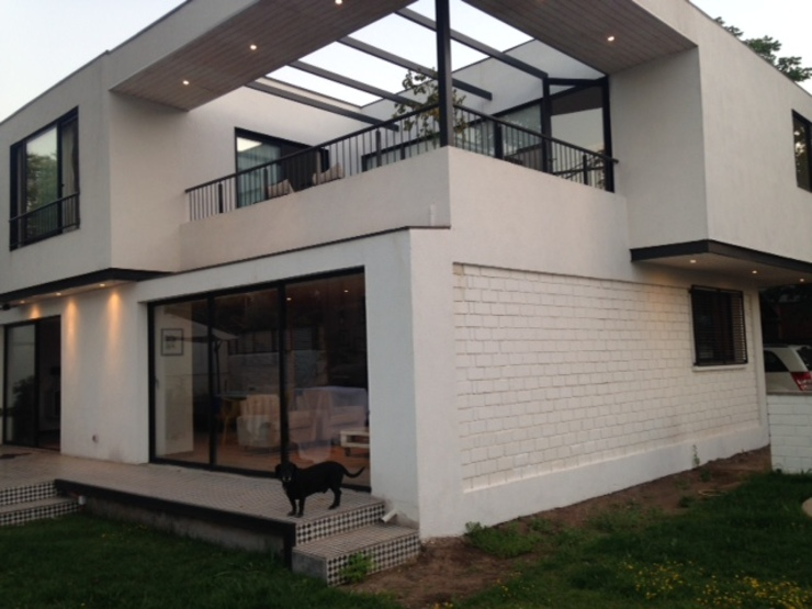 CASA BELLO HORIZONTE Jardines de estilo minimalista de [ER+] Arquitectura y Construcción Minimalista