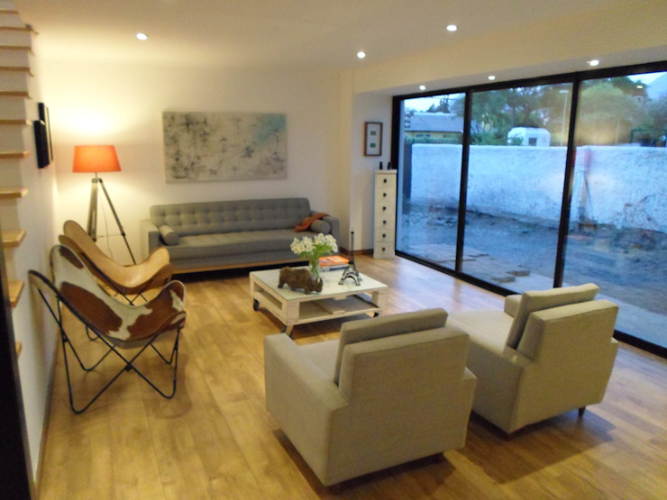 CASA BELLO HORIZONTE Livings de estilo minimalista de [ER+] Arquitectura y Construcción Minimalista