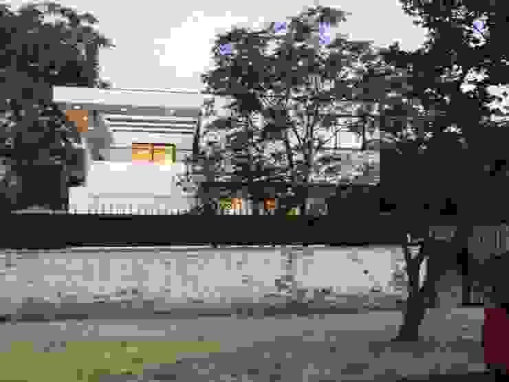 CASA BELLO HORIZONTE [ER+] Arquitectura y Construcción Casas de estilo minimalista