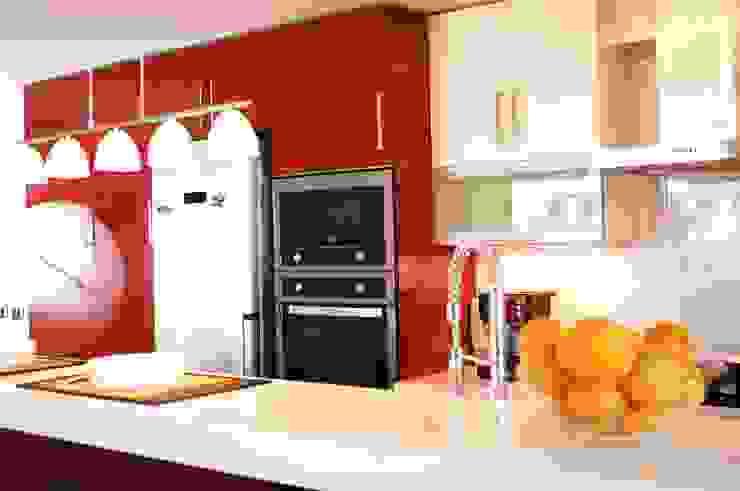 Muebles cocina rojo y blanco. Artefactos Teka. de ABS Diseños & Muebles Moderno Contrachapado
