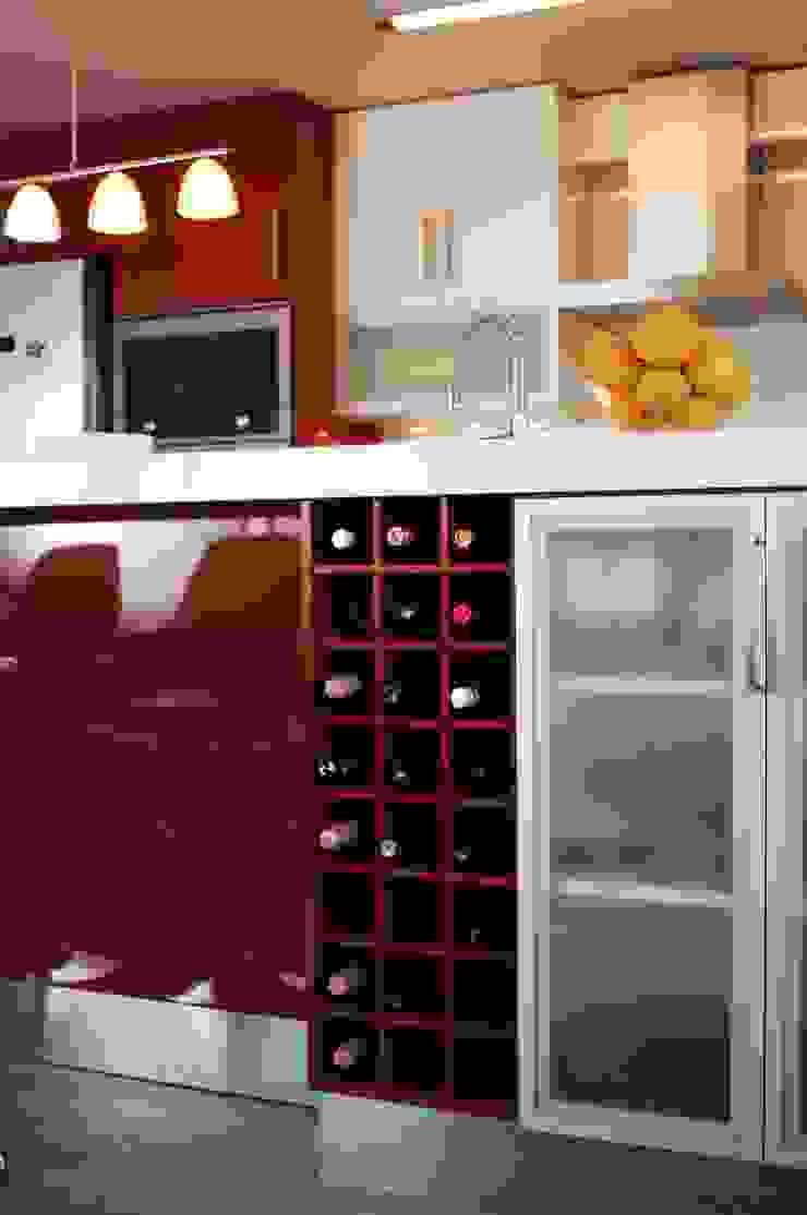 Mueble botellero para isla cocina laminado rojo. de ABS Diseños & Muebles Moderno Contrachapado