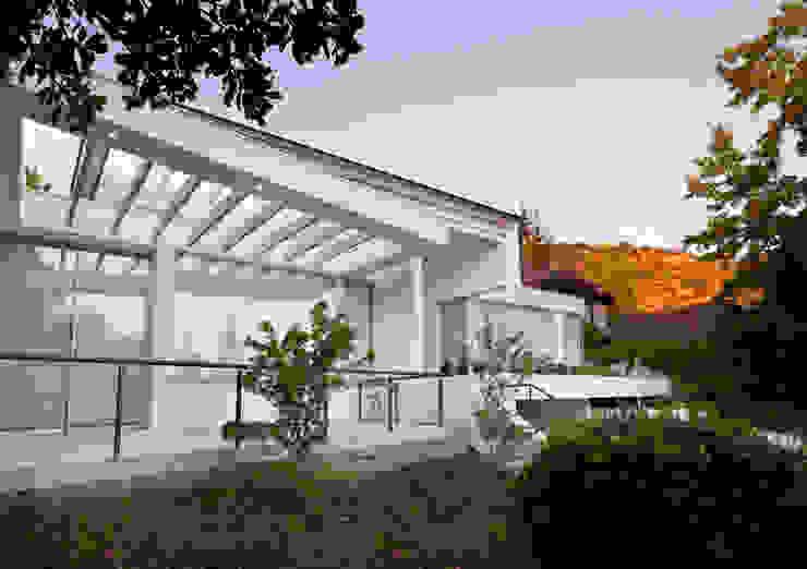 Fachada de [ER+] Arquitectura y Construcción Minimalista
