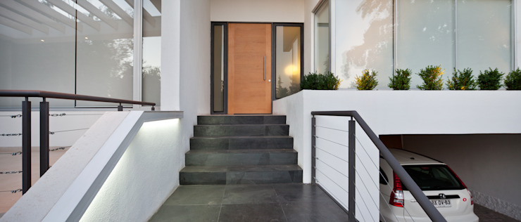 Puerta de acceso [ER+] Arquitectura y Construcción Pasillos, halls y escaleras minimalistas