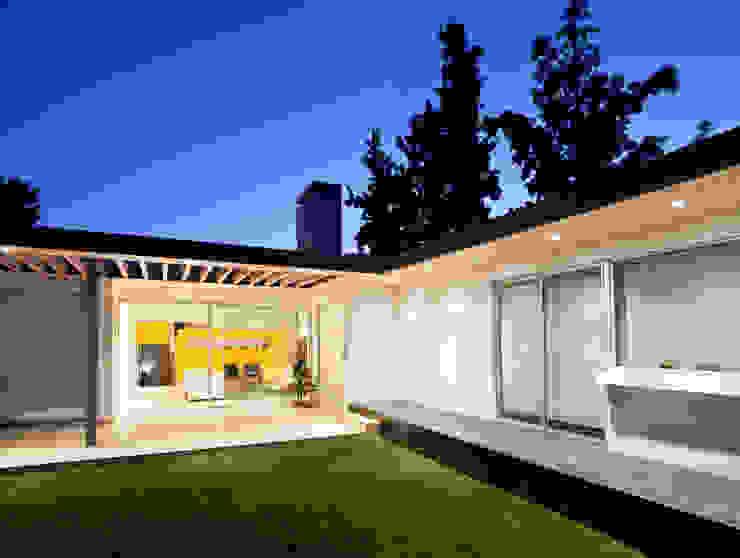Terraza y Jardín [ER+] Arquitectura y Construcción Terrazas