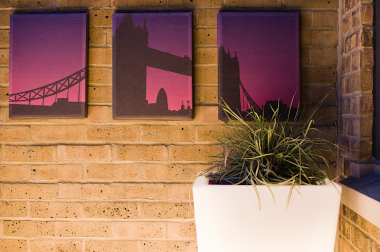 Triptych of Tower Bridge Modern style gardens by Earth Designs Modern