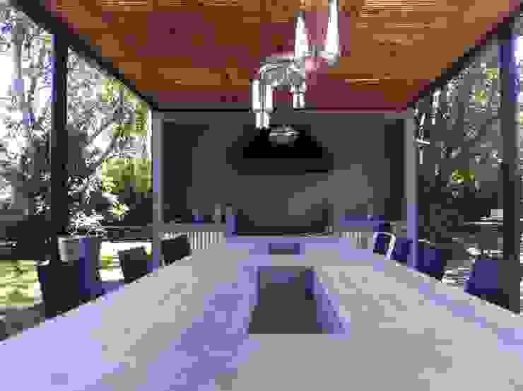Terrazas de estilo  por [ER+] Arquitectura y Construcción, Minimalista