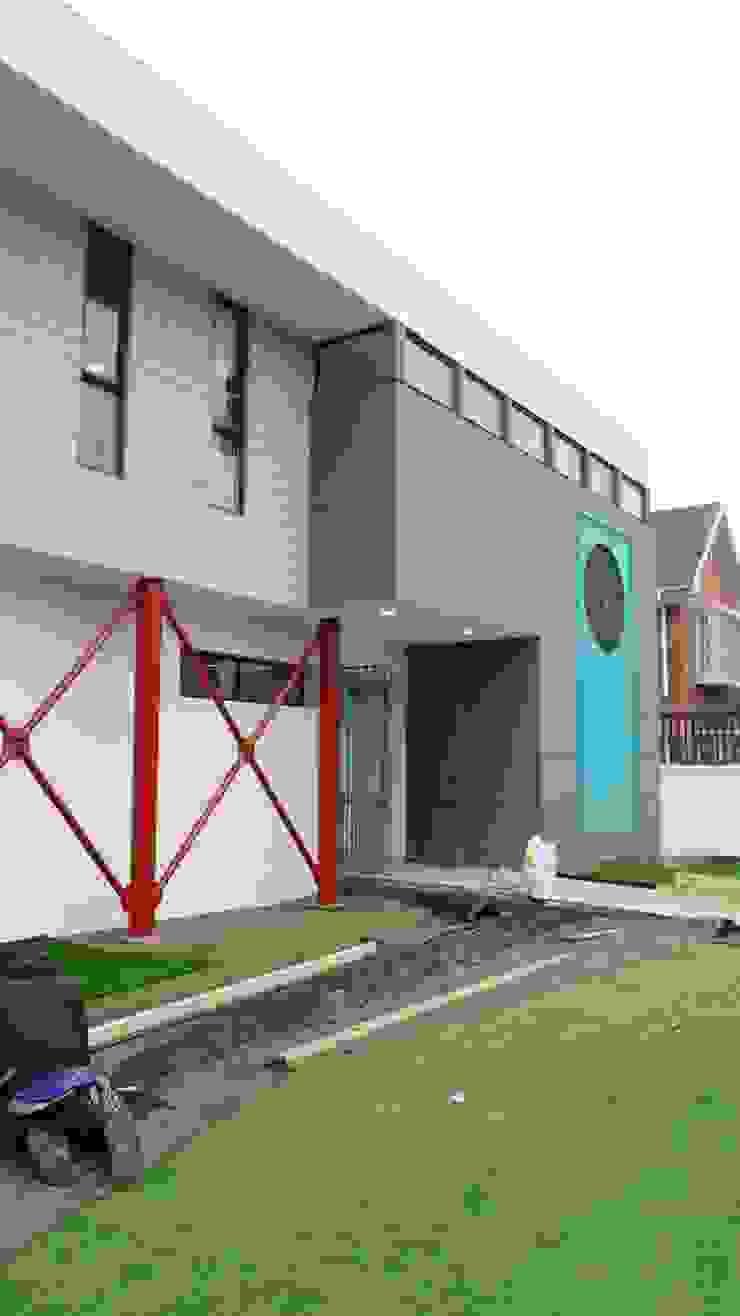 """JARDIN INFANTIL """"PEQUEMUNDO"""" de [ER+] Arquitectura y Construcción Moderno"""