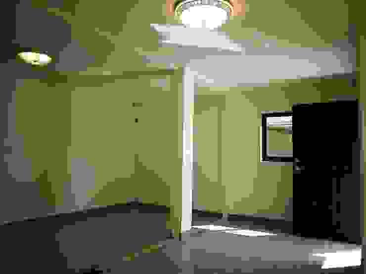 Ingresso, Corridoio & Scale in stile asiatico di 築地岩移動宅 Asiatico