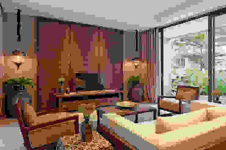 Interior Adat Jawa Dalam Sebuah Rumah Modern