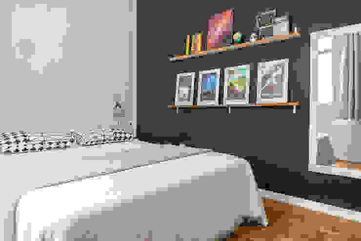 Dormitorios eclécticos de INTERIOR - DECORAÇÃO EMOCIONAL Ecléctico