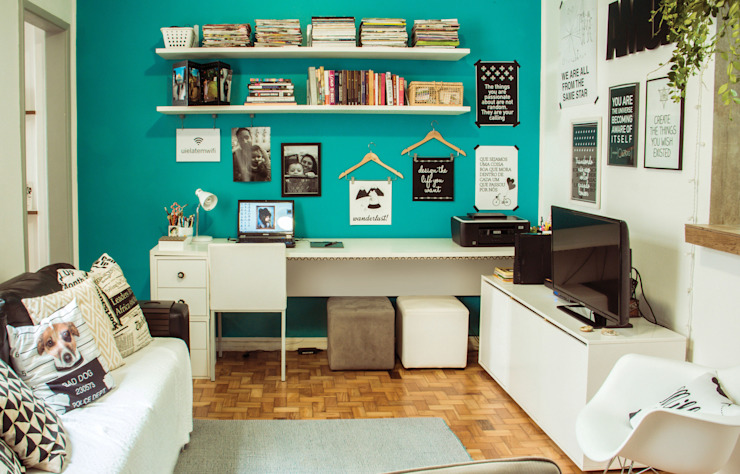 Eclectic style study/office by INTERIOR - DECORAÇÃO EMOCIONAL Eclectic