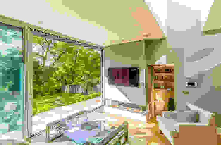 Contemporary Garden Room Edinburgh New Town Minimalist living room by Capital A Architecture Minimalist