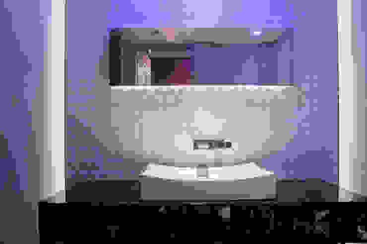 STUDIO COCOONS Modern bathroom