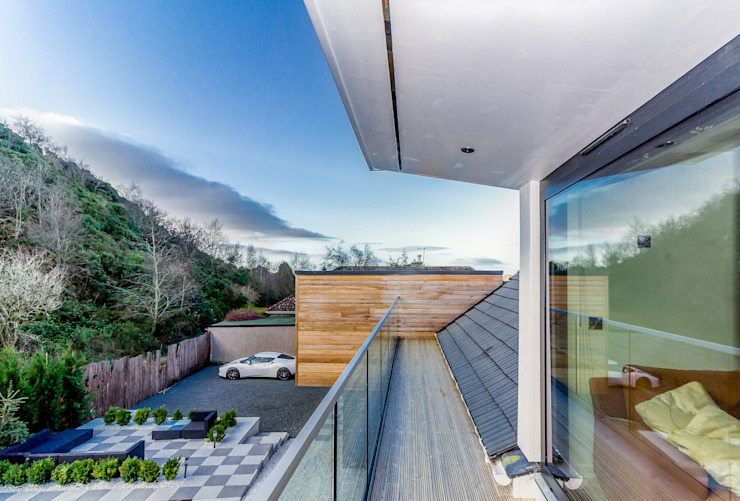 balcony from the master bedroom Kamar Tidur Modern Oleh Capital A Architecture Modern