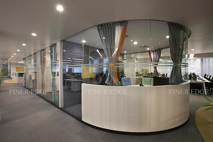 """US multinational """"Xpanxion"""" at Pune by Finer Edge Architects & Interior Designers Modern"""