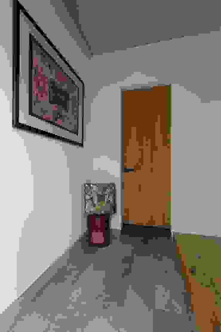 Couloir, entrée, escaliers rustiques par ALTS DESIGN OFFICE Rustique