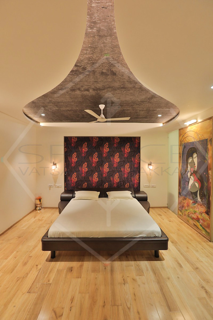 Capital Green—3 Asian style bedroom by SPACCE INTERIORS Asian