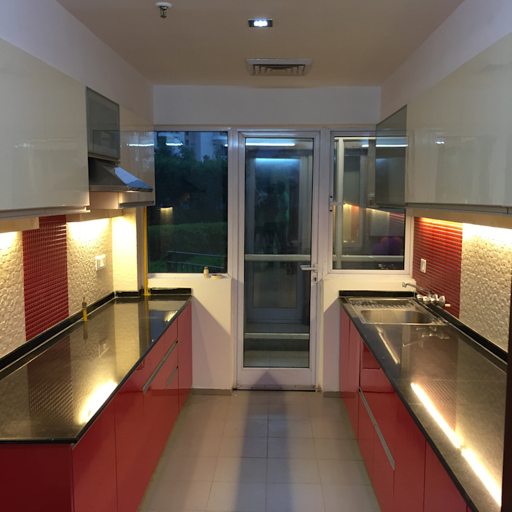 Residential Interiors Modern kitchen by Radian Design & Contracts Modern
