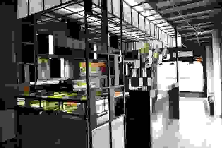 ร้านเบเกอรี่(กลางวัน)แอนด์ ไนท์คลับ ย่านสุุขุมวิท: ผสมผสาน  โดย Cnc. Interior Design, ผสมผสาน