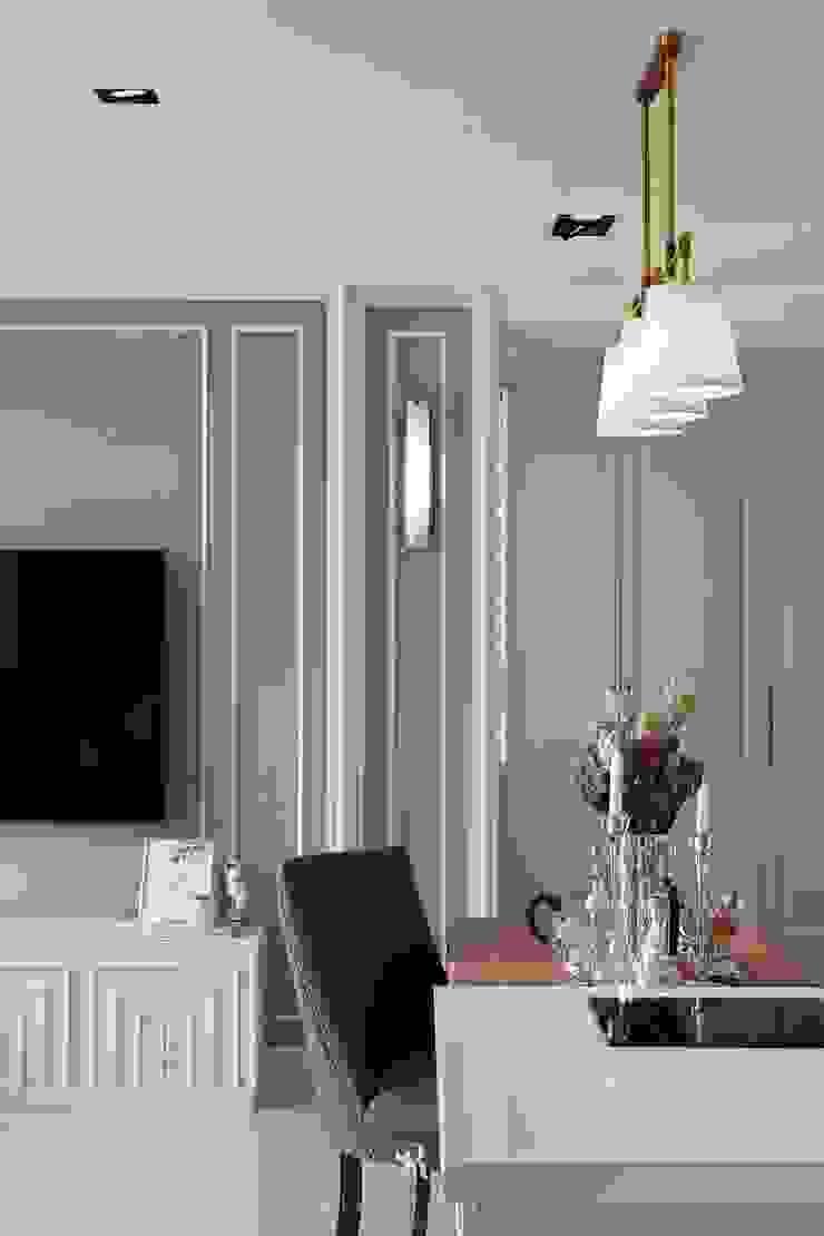 Sunny.Boudoir 理絲室內設計有限公司 Ris Interior Design Co., Ltd. 餐廳配件與裝飾品 Multicolored
