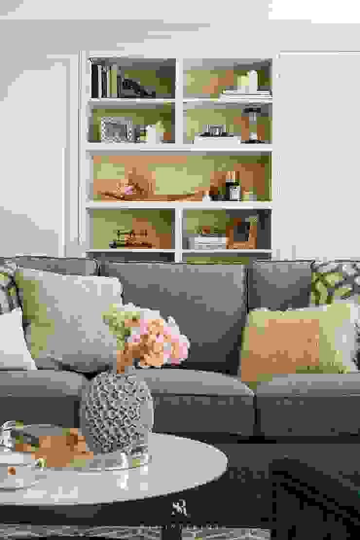 Sunny.Boudoir 理絲室內設計有限公司 Ris Interior Design Co., Ltd. 客廳書櫃 White