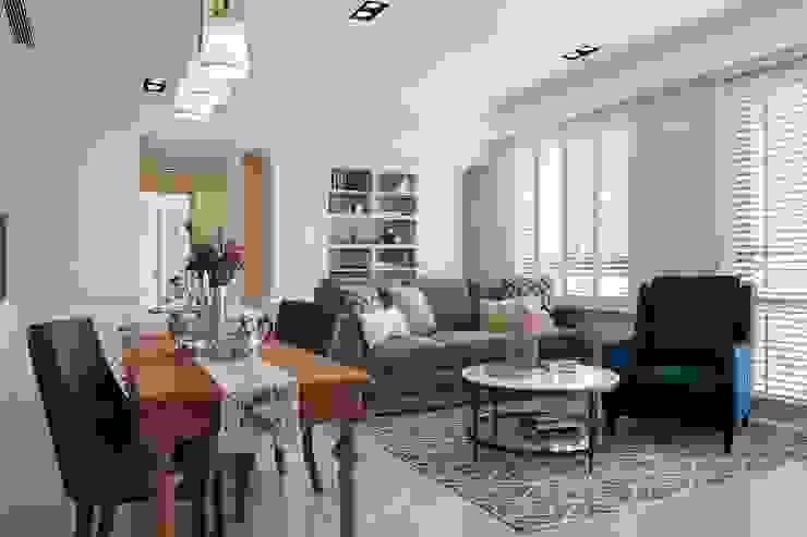 Sunny.Boudoir 理絲室內設計有限公司 Ris Interior Design Co., Ltd. 客廳 Multicolored