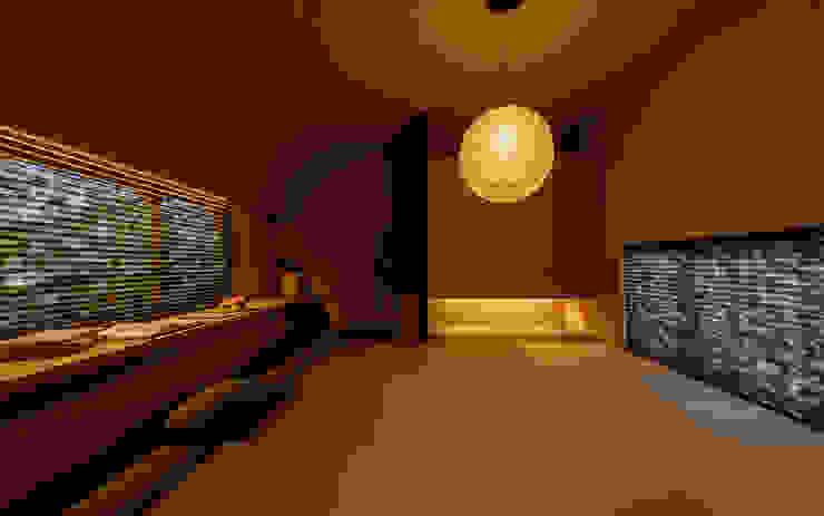 −+ & 0 PRO MODEL FANFARE CO., LTD オリジナルデザインの 多目的室
