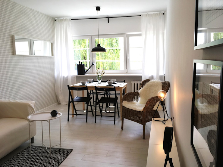 Living room by Pasja Do Wnętrz,