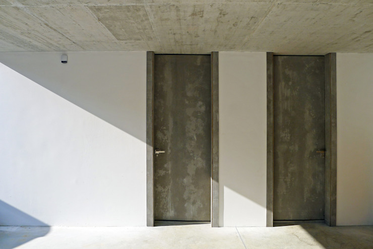 AD+ arquitectura Wooden doors Wood Grey