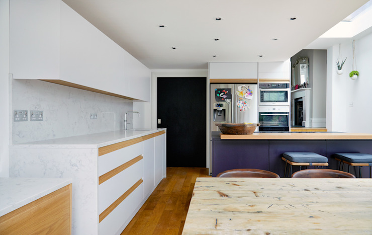 Highbury Kitchen by NAKED Kitchens Modern Wood Wood effect
