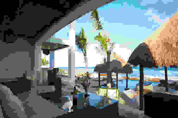 Villa Coquí Akumal Balcones y terrazas mediterráneos de DHI Arquitectos y Constructores de la Riviera Maya Mediterráneo