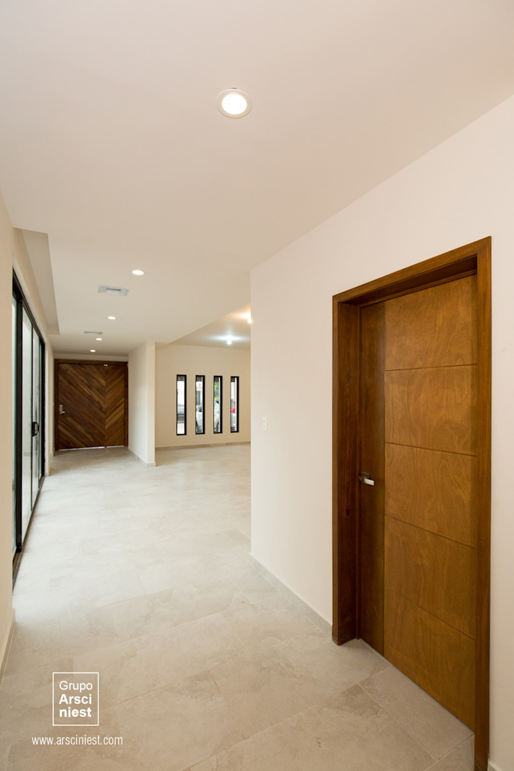 Koridor & Tangga Minimalis Oleh Grupo Arsciniest Minimalis Kayu Wood effect