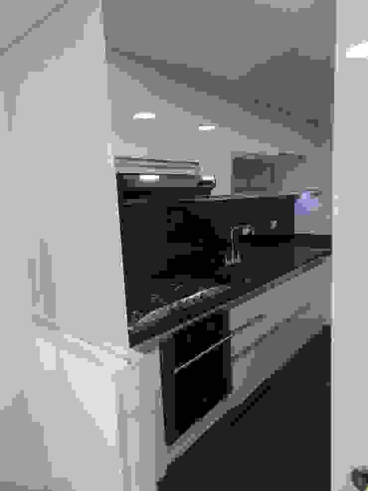 Remodelación Total Apartamento Bogotá Cocinas modernas de ANA ESTRADA DISEÑO INTERIOR Moderno Mármol