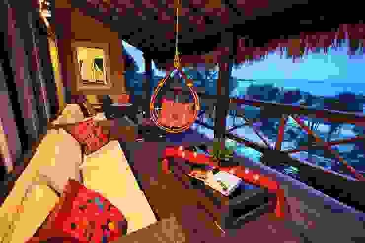 Sombras del Viento Salones rústicos rústicos de DHI Arquitectos y Constructores de la Riviera Maya Rústico