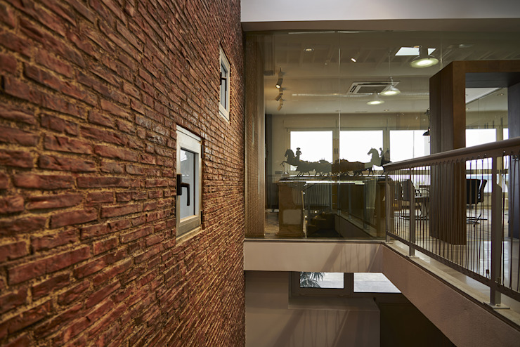 Oficinas y bibliotecas de estilo industrial de gama estudio Industrial