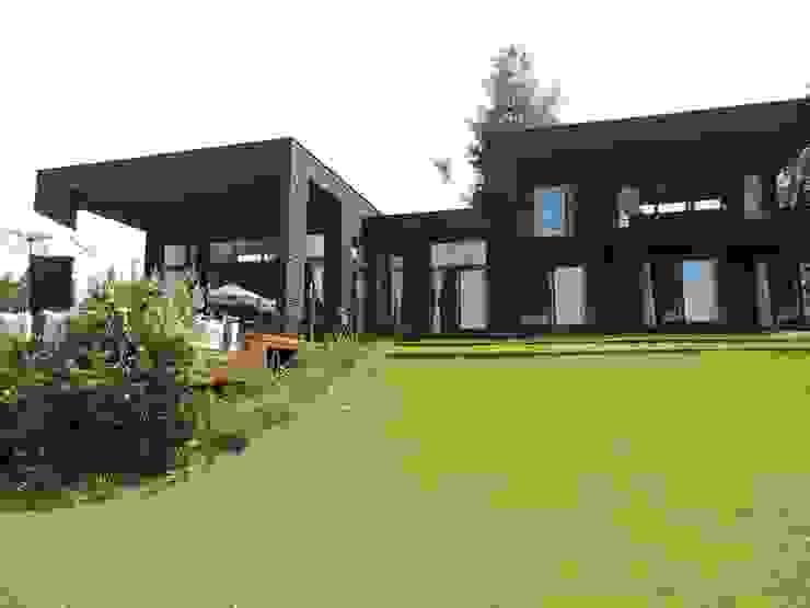 Modern Houses by David y Letelier Estudio de Arquitectura Ltda. Modern