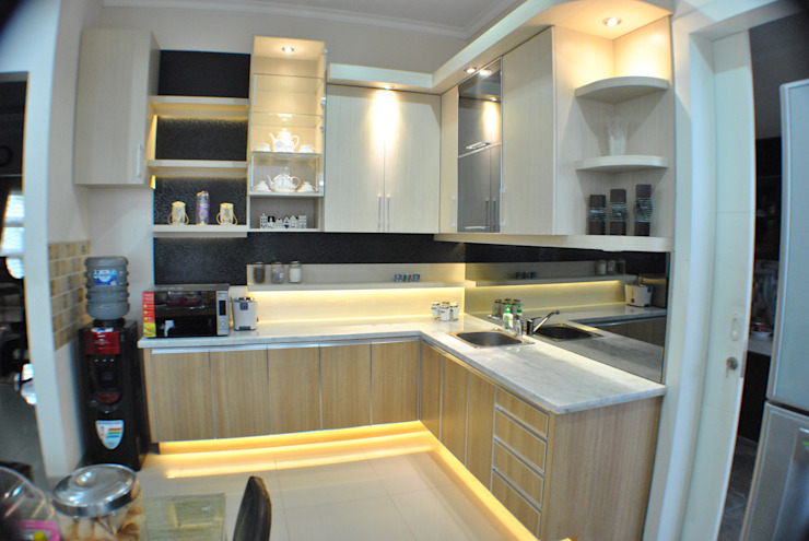 Kitchen Set Anantawikrama Studio KitchenCabinets & shelves Kayu Lapis