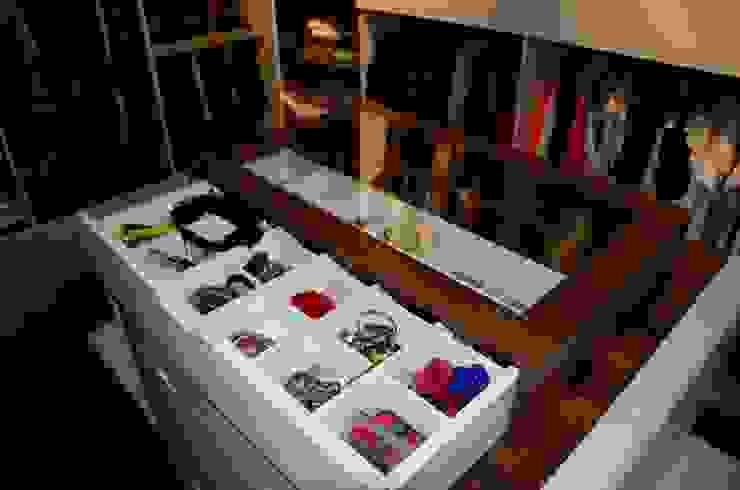 Arte FABBRO – Giyinme Odası: modern tarz , Modern