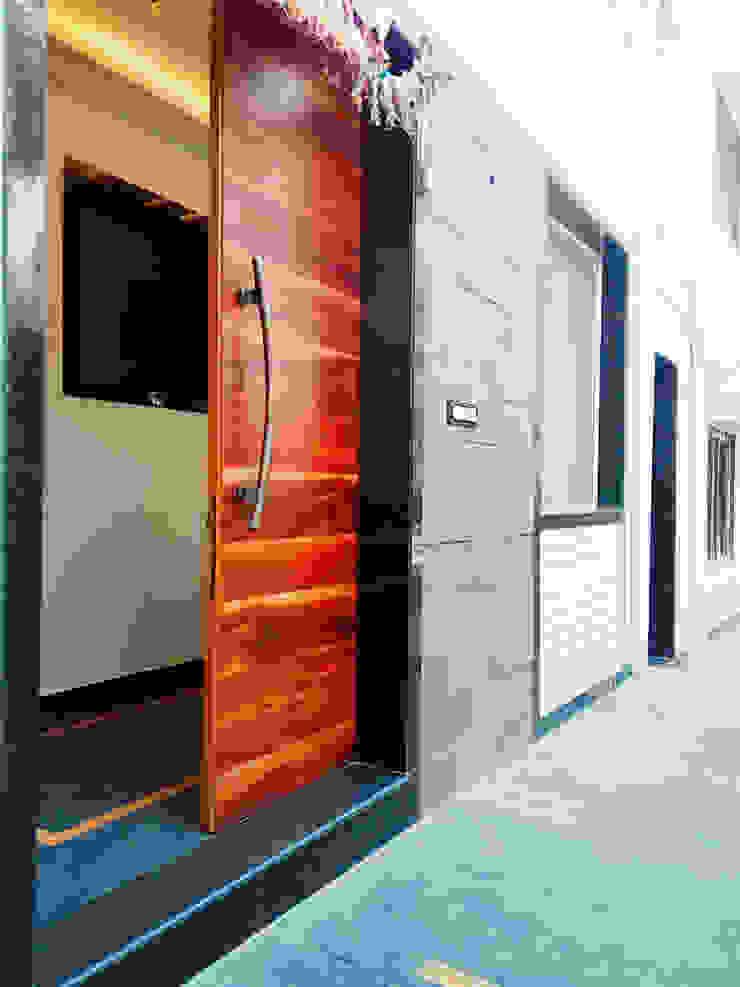 BUNGALOW INTERIORS Minimalist style doors by Finch Architects Minimalist