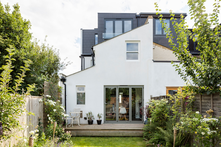 Dulwich Loft Conversation :  Houses by R+L Architect, Modern