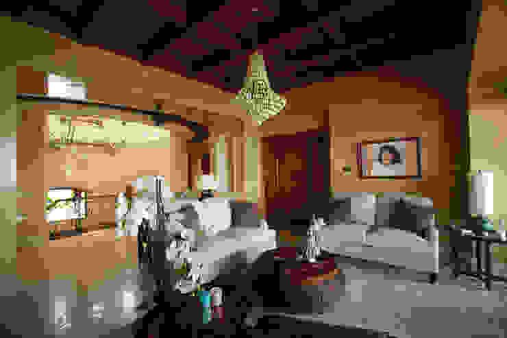 Salones de estilo mediterráneo de DHI Riviera Maya Architects & Contractors Mediterráneo