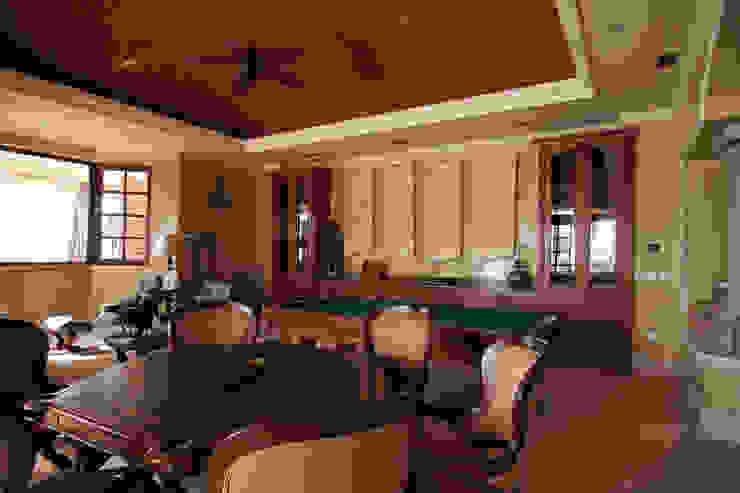 Salones de estilo ecléctico de DHI Riviera Maya Architects & Contractors Ecléctico