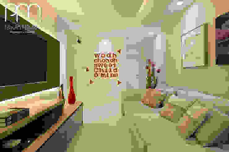 Apartamento JF Barra da Tijuca Rio de Janeiro Salas multimídia modernas por Paula Müller Arquitetura e Design de Interiores Moderno