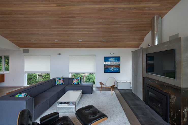 Courtyard House Modern Living Room by ARCHI-TEXTUAL, PLLC Modern